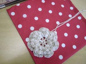 鍵編みで作った花